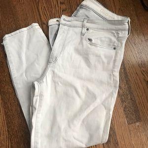 Gap Skinny Jeans - 33R